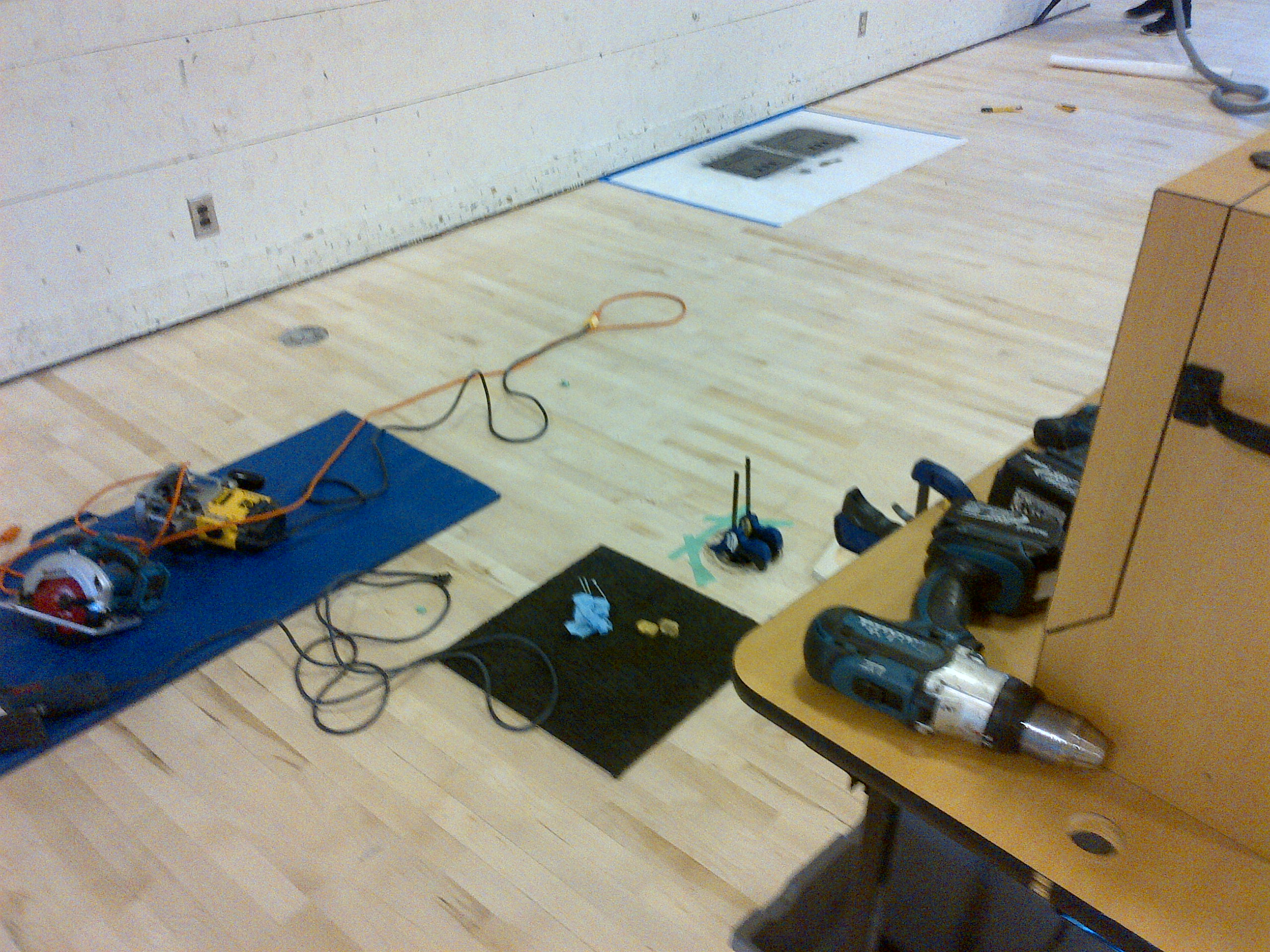 Ahf Hardwood Floor Repair Vancouver Bc Professsional Wooden Floor Resurfacing Contractor All Types Of Real Wood Soild Floor Repairs And Board Replacements Maple Oak Fir Walnut Cracked Split Or Broken Wooden Boards